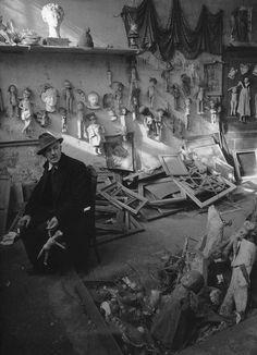 Paris, 1940s / 1950s, by Robert Doisneau