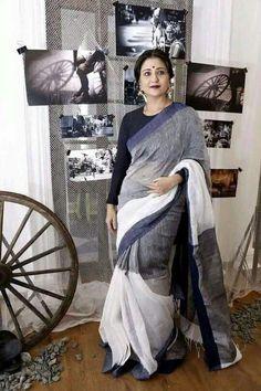 Linen always looks classy! Phulkari Saree, Kalamkari Dresses, Ethnic Sarees, Indian Sarees, Pakistani, Indian Wedding Outfits, Indian Outfits, Teacher Dresses, Simple Sarees