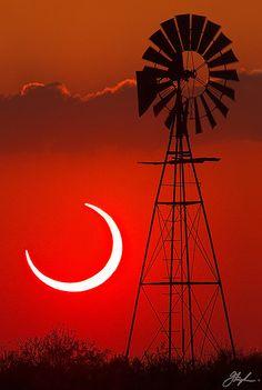 Solar Eclipse taken 20 May 2012 near Bledsoe, Texas.  c.