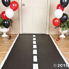 Pave the way for your guests on race day with this easy-to-do Race Track Floor Runner. Daytona 500, Nascar days, or a race car birthday party, this DIY party ...
