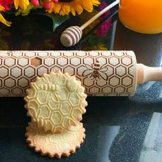 Our embossed rolling pins can be a part of your kitchen or engraved keepsakes. They make a unique and touching gift for any person, family or occasion. No Bake Cookies, Bee Cookies, Sugar Cookies, How To Make Cookies, Honeycomb, Emboss, Safe Food, Etsy, Icing
