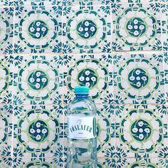 Prickelndes Vöslauer Mineralwasser auf Reisen mit in Lissabon ✌️ #vöslauerdabei #lissabon #travel #vöslauer #jungbleiben Events, Photo And Video, Instagram, Mineral Water, Lisbon, Travel, Art
