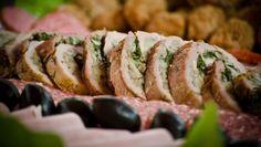 Kuracia roláda plnená hubami Baked Potato, Sushi, Potatoes, Baking, Ethnic Recipes, Food, Potato, Bakken, Essen