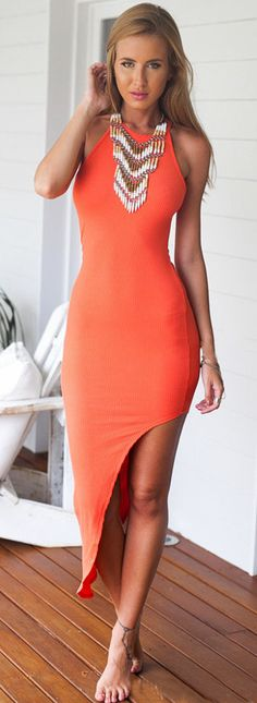 Searching high and low for the perfect summer look? High-low dresses are taking the season by storm. The unexpected in the asymmetry of the hemline gives this design edgy uniqueness. This season, check out casual styles at CUPSHE.com.