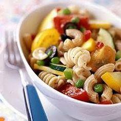 Potluck Pasta Salad (Weight Watchers) @keyingredient #vegetables #tomatoes #italian