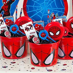 Wow them with containers of Spider-Man goodies!