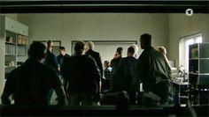 Filmbilder von 'TATORT' München – 'Mia san jetzt da wo's weh tut' – Szenenbild Oliver Hoese – Kamera Alexander Fischerkoesen – Regie Max Färberböck