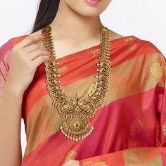 Gold Temple Jewellery, Gold Wedding Jewelry, Gold Jewelry, Mango Mala Jewellery, Antique Jewellery, Jewelery, Gold Necklace, Gold Earrings Designs, Jewellery Designs