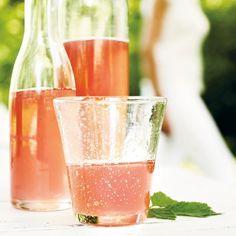 Raparperi-vaniljamehu Fun Drinks, Alcoholic Drinks, Rhubarb Recipes, Sweet And Salty, Different Recipes, Healthy Smoothies, Sweet Recipes, Good Food, Fun Food