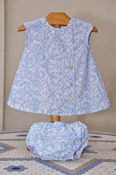 Vestido coleccion Angeles en azul cielo. Disponible en tallas 3-6m, 6-12m, 12-24m, 2 años y 3 años