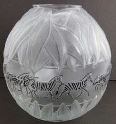 Lalique Crystal Tanzania ( Zebra ) Clear Vase