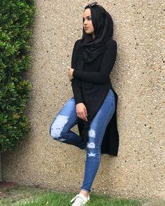 Modest and stylish (hijabi fashion) Modest Fashion Hijab, Modern Hijab Fashion, Muslim Women Fashion, Casual Hijab Outfit, Hijab Fashion Inspiration, Street Hijab Fashion, Islamic Fashion, Mode Inspiration, Modest Outfits