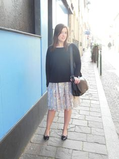 Pull - H&M // Robe - Carven // Ballerines - Repetto // Sac - Coach