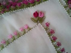 ......lale Needle Lace, Needle And Thread, Tatting, Elsa, Sewing Projects, Crochet, Flowers, Bathroom Sets, Tejidos