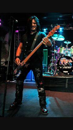 Robbie Crane, bass player for RATT, #ratt #rock #rocknroll #music #80s #80smusic #HairBand #robbiecrane #bass #bassist