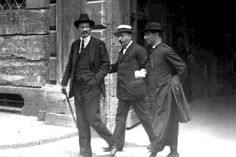 Alcide De Gasperi, Stefano Cavazzoni e don Luigi Sturzo a Napoli nel 1921