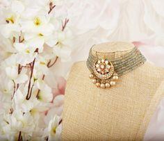 Indian Jewelry Earrings, Indian Jewelry Sets, Bead Jewellery, Wedding Jewelry, Beaded Jewelry, Gold Jewelry, Rajputi Jewellery, Necklace Designs, Or Rose