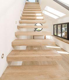 Stufen der Kragarmtreppe von Treppenbau VOß