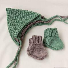 Baby Hats Knitting, Knitting For Kids, Baby Knitting Patterns, Knitted Hats, Knit Baby Dress, Knit Baby Booties, Crochet Baby Clothes, Crochet Baby Bonnet, Knit Crochet