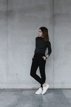 Comfy outfit for rainy days. ☔️ If the weather usually show your mood, than you should check this photoshoot, and you can also read the whole article in: http://uptostyle.hu/comfy-outfit/ Outfit: Blouse : Zara Jeans : H&M Shoes : H&M Watch : CLUSE