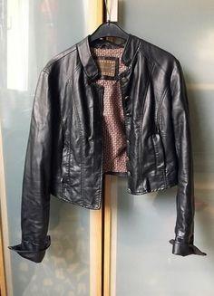 Kup mój przedmiot na #vintedpl http://www.vinted.pl/damska-odziez/kurtki/15551097-krotka-kurteczka-ala-ramoneska-orsay-basic-czarna-elegancka-kurtka