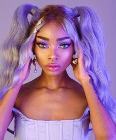 purple and lavender makeup is so fun Mint Hair, Purple Hair, Creative Makeup Looks, Aesthetic Hair, Glossy Lips, Cool Hair Color, Hair Looks, Wig Hairstyles, Pretty People
