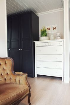 details about ikea 39 hemnes 39 blue dresser with beautiful anthropologie ceramic glass knobs