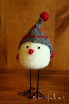 I love this sweet little Christmas bird! Inspiration: Winter bird - Really cute and looks pretty easy to felt. Wool Needle Felting, Needle Felting Tutorials, Needle Felted Animals, Wet Felting, Felted Wool, Felted Scarf, Felt Animals, Needle Felted Ornaments, Felt Ornaments