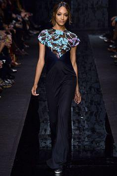 Diane von Furstenberg New York - Collections Fall Winter - Shows - Vogue. Only Fashion, High Fashion, Fashion Show, Fashion Design, Women's Fashion, Fashion Trends, Diane Von Furstenberg, Kendall Jenner, Vogue