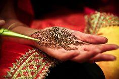 #henna #mehendi #wedding #indian #bride #bollywood @redpaisleys Affordable Wedding Packages, Bridal Henna, Philadelphia Wedding, Mehendi, Soho, Wedding Stuff, Paisley, Brides, Bollywood