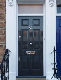 A classic black Regency door by the London Door Company Front Door Steps, Front Door Entryway, Entrance Doors, Main Entrance, Front Entry, Black Composite Front Door, Black Front Doors, Georgian Doors, Victorian Front Doors