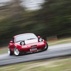 Good! drift http://geton.goo.to/photo.htm #geton #auto #car #drift #MAZDA #roadstar 目で見て楽しむ!感性が上がる大人の車・バイクまとめ -geton http://geton.goo.to/