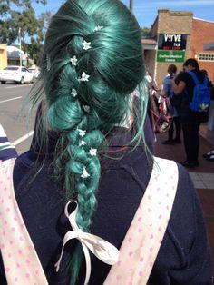 emerald hair via Hip Hip Hooray