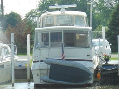 1983 Viking Motor Yacht for sale by owner on Calling all Boats. http://www.caboats.com/used-boats/9168.htm