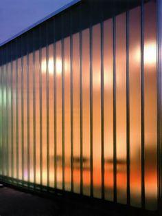 Fachada de Vidro Translucido