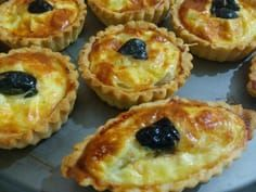 tartelettes au fromage Yummy Appetizers, Appetizer Recipes, Pizza Sale, Arabian Food, Cheese Tarts, Salty Foods, Indian Dishes, Appetisers, Snacks