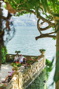 Lake Como is one of the most beautiful places in Italy. The best way to properly enjoy the Italian Lakes is to pick an a Siena Toscana, Toscana Italia, Italy Vacation, Italy Travel, Lac Como, Places To Travel, Places To Go, Comer See, Lake Como Italy