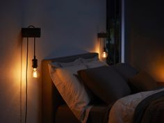 Philips continues to expand their Hue smartbulb line with a series of bulbs that look like vintage Edison-style filament lights. Edison Lampe, Led Lampe, Style Vintage, Vintage Design, Edison Lighting Bedroom, Home Bedroom, Bedroom Decor, Bedroom Inspo, Bedroom Ideas