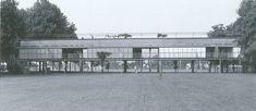 El proyecto de Aurelio Galfetti  para las piscinas de Bellinzona es una fórmula que ofrece 40 .000 m ²  de césped  para  40.000 habitantes...