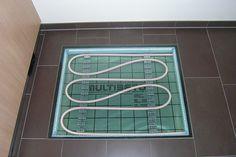 Zeigen Sie Ihr System mit unseren Bodensichtfenstern im Format 80 x 120 cm zeigen Sie das von Ihnen verlegte MB-System im Einsatz, z.B. • in Ihrem neuen Büro  • in Ihrer eigenen Ausstellung  • mit Ihrer Werbung in einem Kindergarten oder Vereinsheim, dem Sie etwas gespendet haben