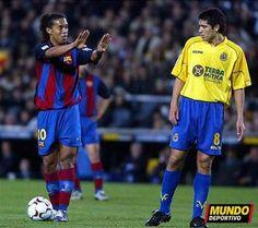 Ronaldinho & Riquelme Roman, Just A Game, Alma Mater, Best Player, Fc Barcelona, Dream Team, Football Players, Ronaldo, World Football