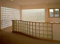 Resultado de imagem para divisórias com tijolo de vidro