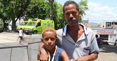 Sem atendimento no Rio, menino terá que tirar gesso em casa, diz mãe
