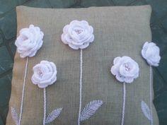 fleurs sur coussin 1