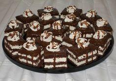 Bunătăţi din bucătăria Gicuței: Dulciuri Sweet Recipes, Cake Recipes, Delicious Desserts, Yummy Food, Romanian Food, Food Cakes, Cheesecakes, Caramel, Food Porn