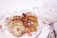 Kyllingfilet med pære, blåmuggost og valnøtter