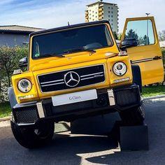 Park it like a Pro! The G 63 AMG. Photo shot by @attasss. __________ [G 63 AMG - Fuel consumption combined 13,8 l/100 km | CO2-Emission: 322 g/km ] #MercedesBenz #Mercedes #G63AMG #MercedesAMG #yellow #black #mbfanphoto #AMG #Graz #austria #GClassExperience #Adventuremobile #mbcar