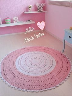 Tapete feito em croche para decoração de quartos infantis  Pode ser feito nas cores de sua decoração.  Medida de 1,50 de diametro  Outras medidas consultar valor