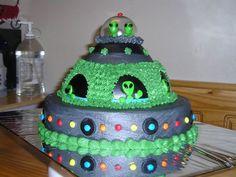 Alien Ship on Cake Central More