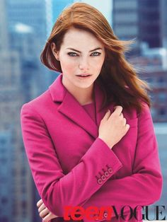 Perhaps the look she's known best for: rich, bright, mid-length red hair that's poker straight. #EmmaStone #hair